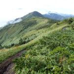 岩菅山の稜線にて