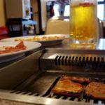 ゲレンデの中で肉が焼けてしまう。