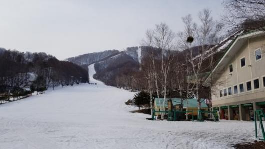 最高の一日を滑り終えた後の尾瀬岩鞍スキー場。