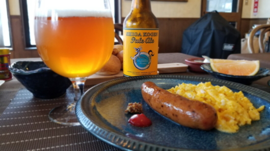 朝からビール、これぞリゾート。