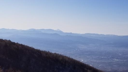 車坂峠付近から見えた富士山。