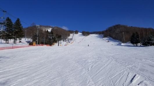 幅広の斜面は滑りやすい。